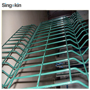 hot sale high quality cyclone wire fence price philippines barbed wire roll price fence