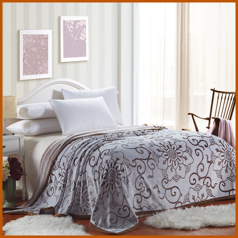 Plush Cheap Polyester Flannel Blanket Bedding Set