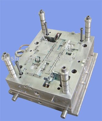 Plastic injection die/tooling