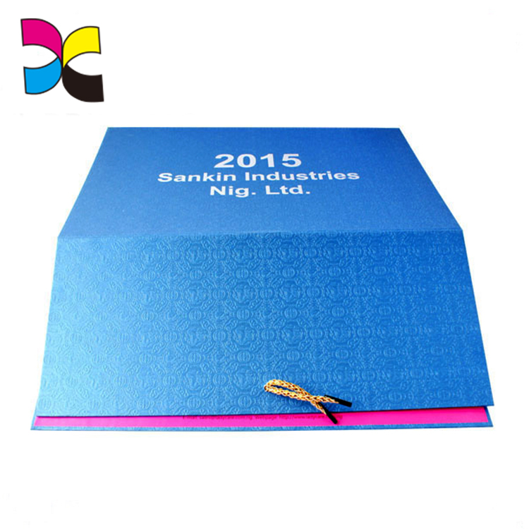Guangzhou Xinyi Printing OEM full color printing UV free sample promotional calendar