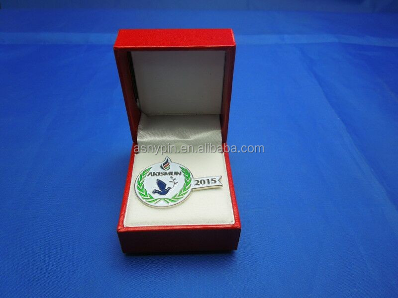 AKISMUN dove of peace magnet badge with gift box