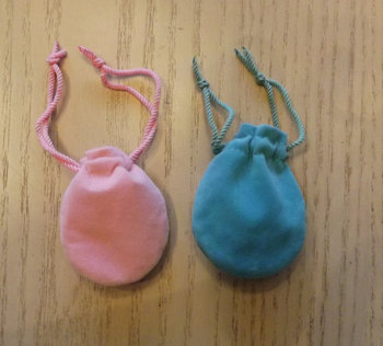 Small velvet jewelry gift pouches with drawstring
