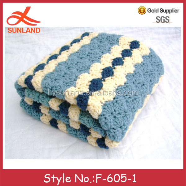 F-605 wholesale bule and cream color handmade crochet knit baby blanket