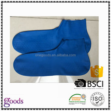 Manufactory waterproof anti slip latex rubber socks with gloves