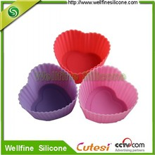 Lovely silicone cake pan for dessert decorator