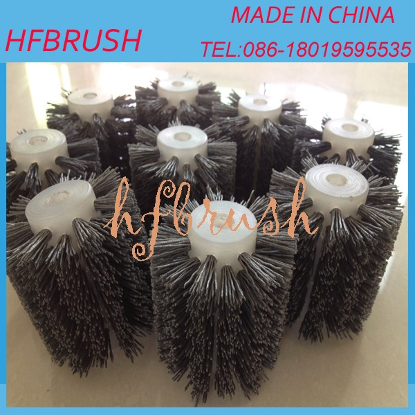 Mini abrasive wire roller brush for denim