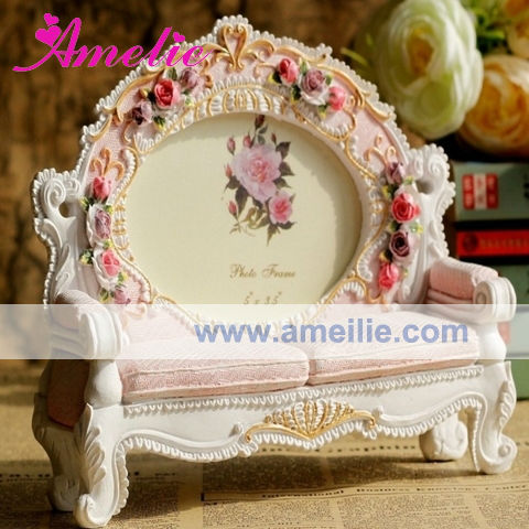 AR148 Wholesale Resin Handicraft European Style Sofa Photo Frame