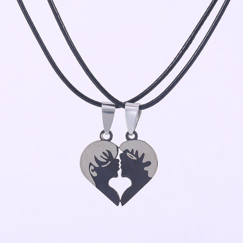 fashion accessories in Europe and US Titanium necklace stainless steel couple necklace