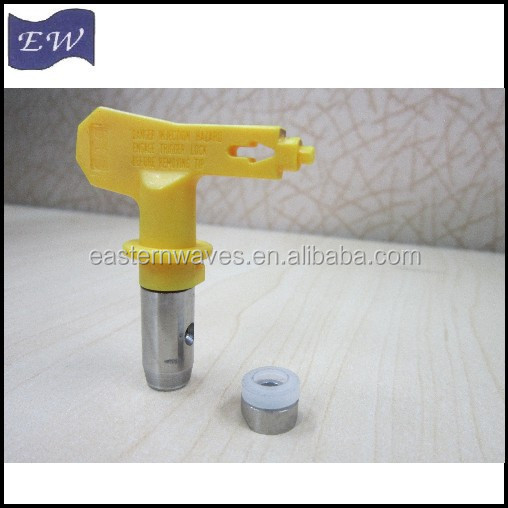 reversible tip for airless paint sprayer
