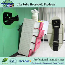 Baby safety strap with metal clamps for TV