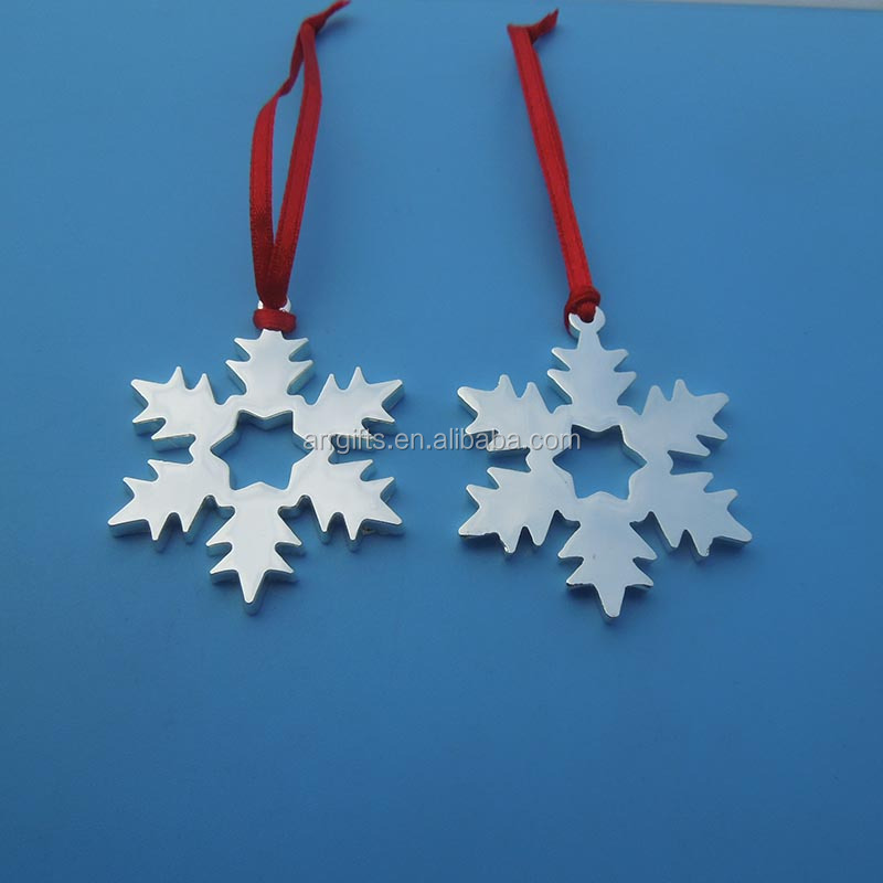 Promotional snowflake design metal hanging ornaments for Chrismas decoration