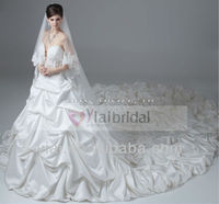 RSW248 Off White Lace Bridal Wedding Dresses With Long Trains