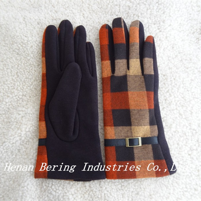Fashion pretty multicolor plain acrylic ladies winter gloves with prices