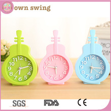 Sweet Candy Colors Guitar 3D Digital Alarm Clock/Stereo Guitar Alarm Clock Student Cartoon Small Home Decoration Stand