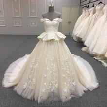 2018 champagne off shoulder wedding party dress off custom size two layers skirt big wedding dress with long train from China