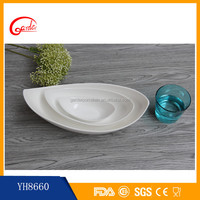 Special shape white ceramic soup bowls and plates set