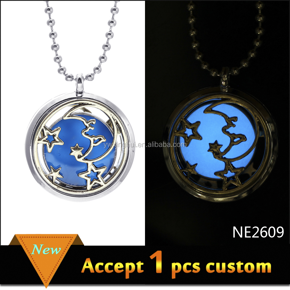 2015 bulk round shape moon and star hollow aromatherapy glowing pendant necklace, diffuser pendant essential oil necklace