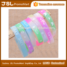 Promotional Custom Logo Imprint Sports Party Light Up Glow Silicon Wristband Bracelet