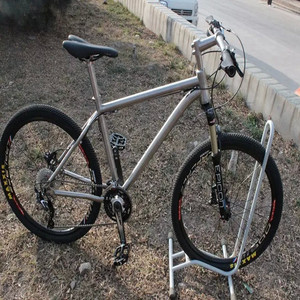 New design welding fabricated titanium road bike frame made in China