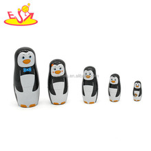 Wholesale cute penguin design wooden toy 5 PCS matryoshka russian doll for kids W06D092
