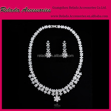 Factory Wholesale Platinum Plated Bridal Necklaces in Cubic Zirconia for Fashion wedding Jewelry Gift