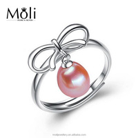 High Quality Ribbon Design Brass Plated Rice Shape Pink Color 100% Cultured Pearl Ring