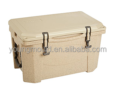Plastic rotomolded ice cooler box for 75 QUART