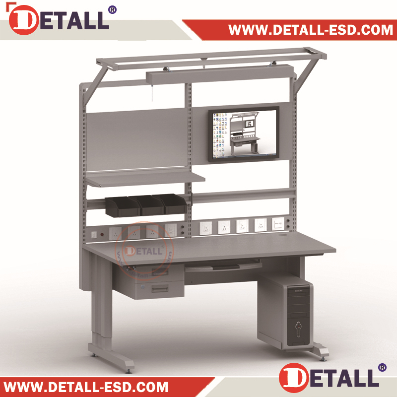 (Detall) Watchmakers bench