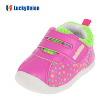 baby little girl walking shoes