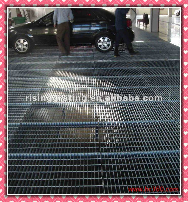 Light weight great load-bearing capacity steel grating for stopping place