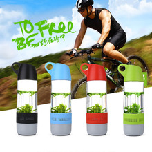 hot selling plastic waterproof outdoor water bottle mug cup with bluetooth speaker used in bicycle/car