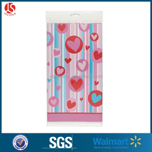"Walmart Supplier Simply Hearts Plastic Tablecloth For Valentine, 84"" x 54"""