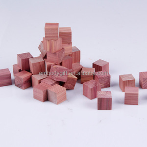 Wholesale walmart factory good quality audit aromatic american blocks cedar ball storage accessories red cedar wooden