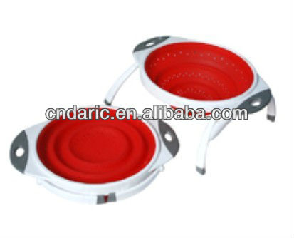 Silicone collapsible colander with stand function