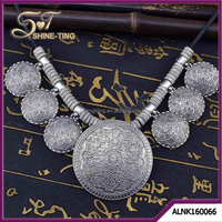 New European Fashion Carved Flower Retro Silver Plated Statement Charm Necklace