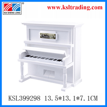 2014 new product cheap music boxes made in china