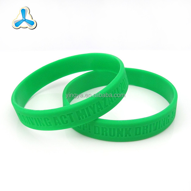 wholesale fashion pure color debossed wristband customize silicone bracelet