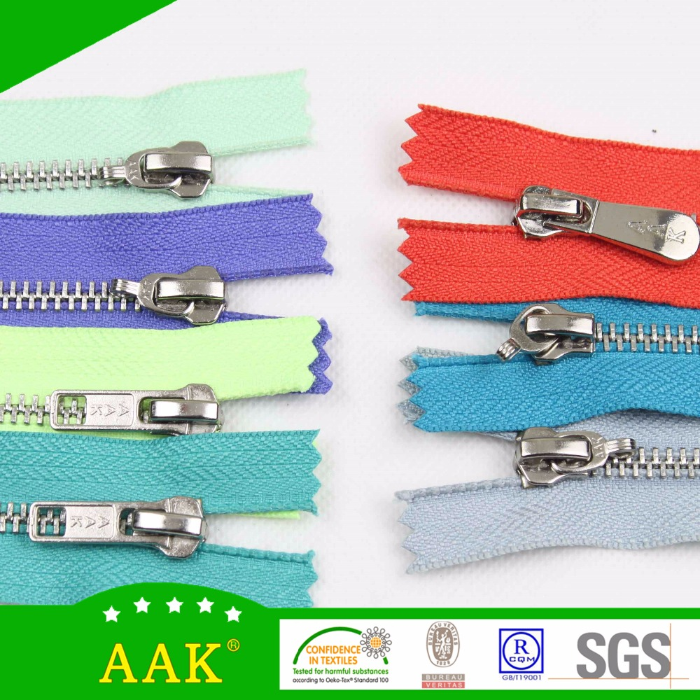 5# silver teeth metal close end zipper fancy tape metallic with auto lock wholesale all kinds of zipper