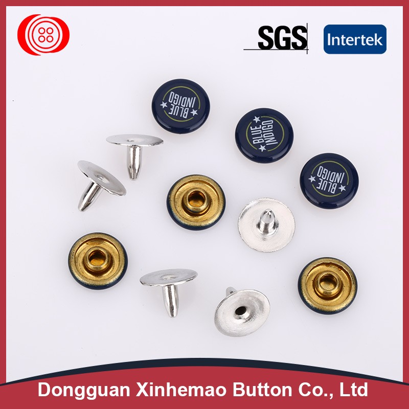 Exquisite looking crystal upholstery buttons with raw material