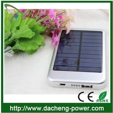 Factory wholesale solar mobile phone charger 5000mAH with LED lights
