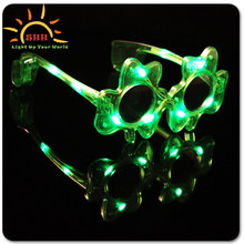 Flashing led St. Patrick'S Day Shamrock events party favor eyeglasses light up green sunglasses
