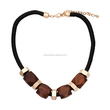 Hot Sale New Design Fashion Jewelry Gold Plated Statement Wood Beads Black Choker Necklace for women