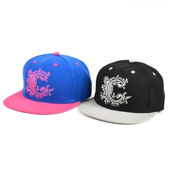 Cheap promotional flat embroidery yupoong custom snapback sports cap