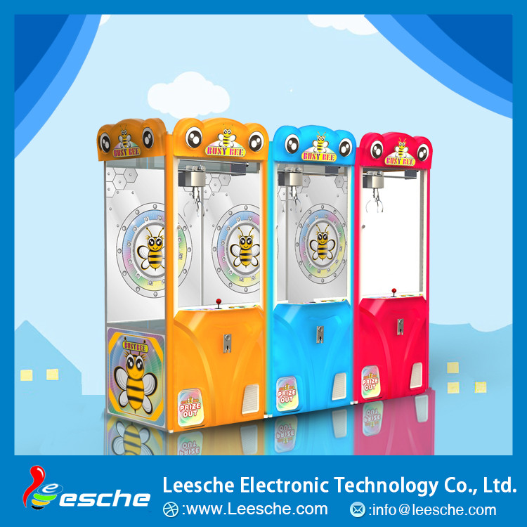 Crane claw machine for sale Key master capsule toy vending machine