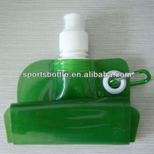 hot sale foldable water bottle handly recycled plastic bottle with carabiner
