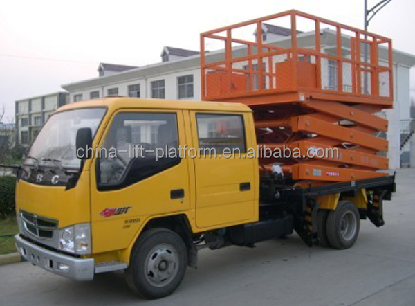 Car carrying scissor lift table for maintenance