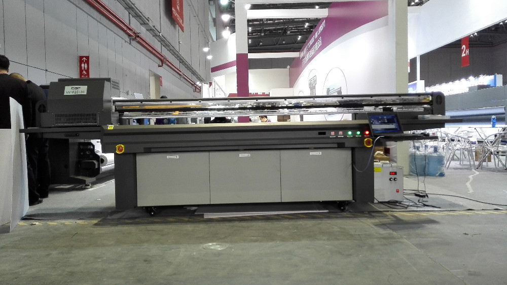 3D metal/foam board UV LED flatbed digital printer/printing machine with Gen5 /KM 1024i print heads 2513