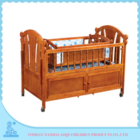 0289B Adjustable Natural Solid Wood New Born Crib Baby Swing Bed