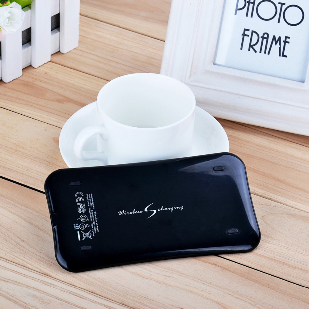 Hot Selling QI Standard Extra-slim With Anti-slip Silicon Phone Wireless Charger