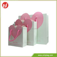 Popular sweet pink heart and white luxury shopping paper bag